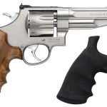 Smith & Wesson 170210 627 PERFORMANCE CENTER 357 Mag 5″ 8 Rounds Wood and Synthetic Grips Matte Stainless Finish