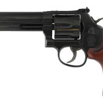 New! S&W 150908 Model 586 Classic 357 Magnum 6″ Barrel – Blued – 6 Rounds – Wood Grip